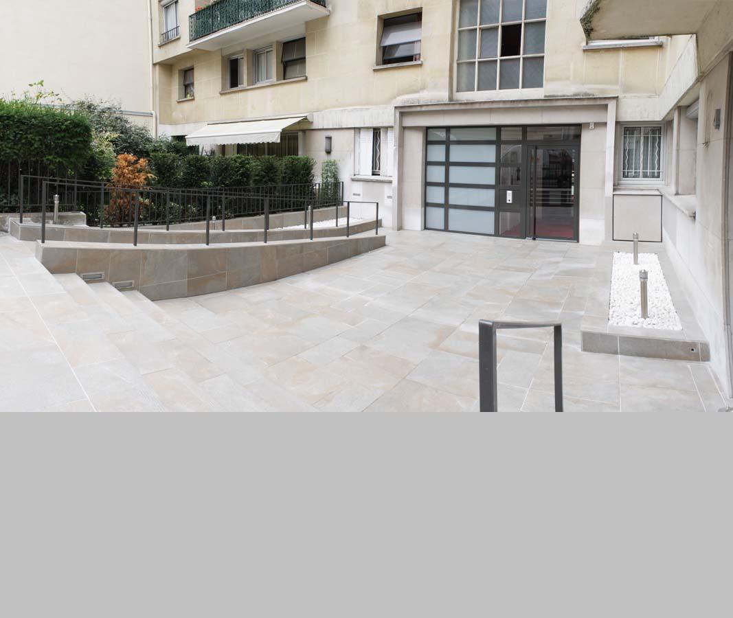 rénovation lourde de deux cours d'entrée extérieures