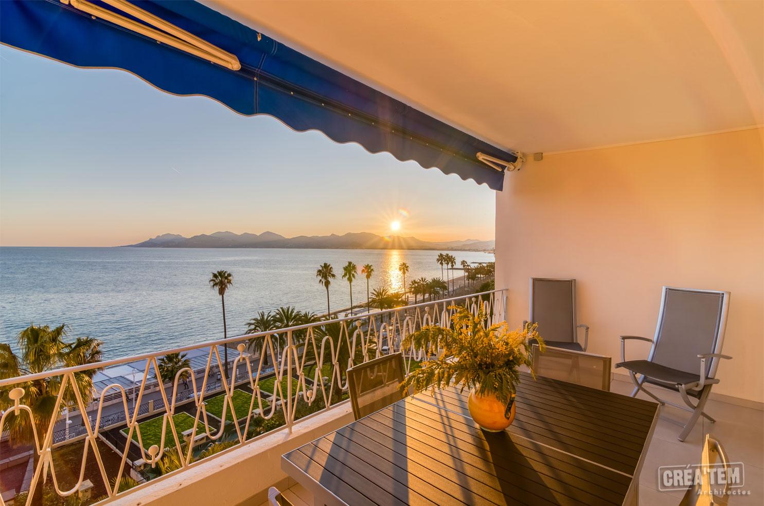Vue sur mer à Cannes