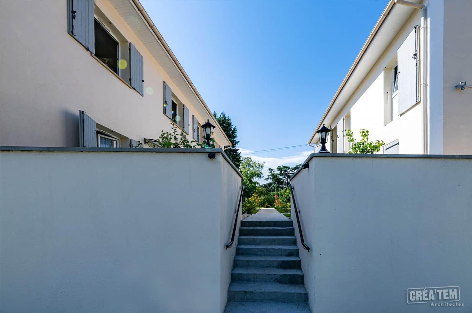 Actualités - Maisons autour d'une cours arborée